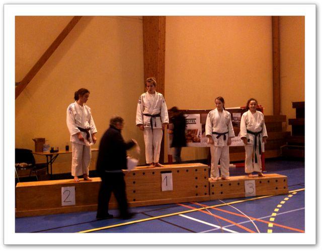 Compétition du 4 Décembre - podium ceintures noires